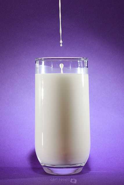 Milk for face:Milk can help freshen and rejuvenate your skin.Mix 1/4 cup powdered milk with enough water to form a thick paste. Coat your face with mask, let dry completely, then rinse with warm water. YoSource: Reader's Digest