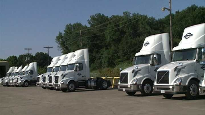 Truck companies search for qualified drivers