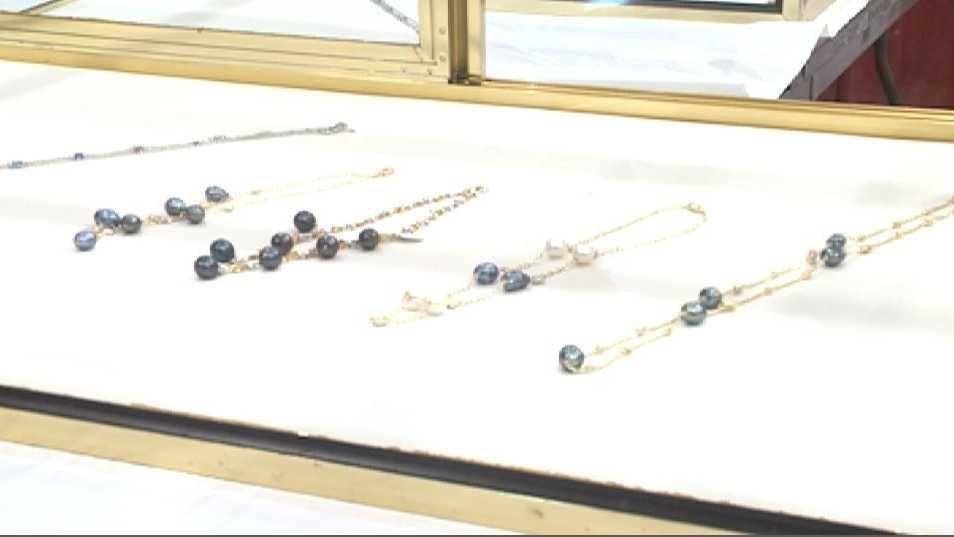 Jewelry Show.JPG (1)