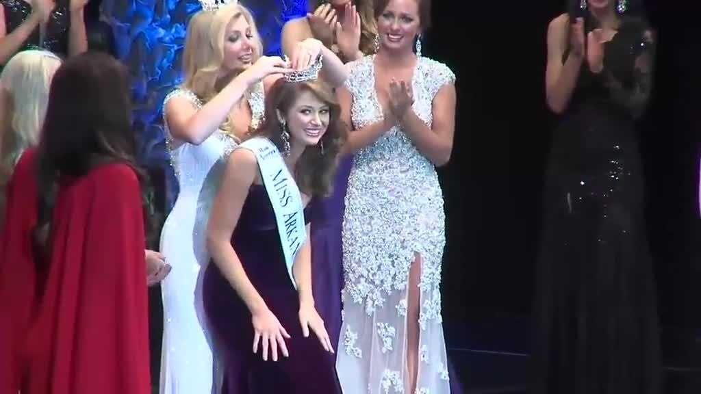 (img14)Uncut video: NWA woman crowned Miss Arkansas