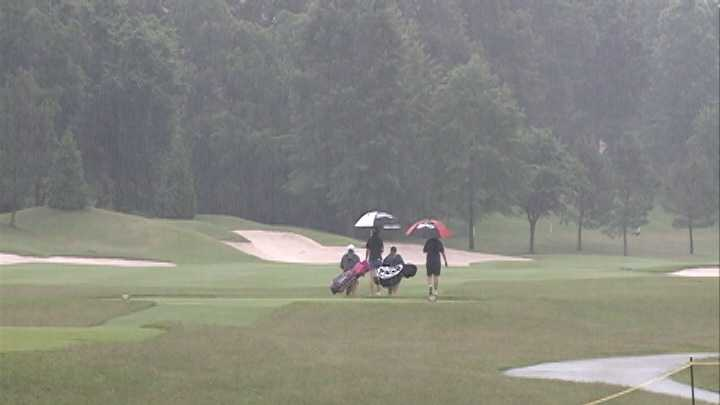 Walmart golf tournament organizers prep for rain