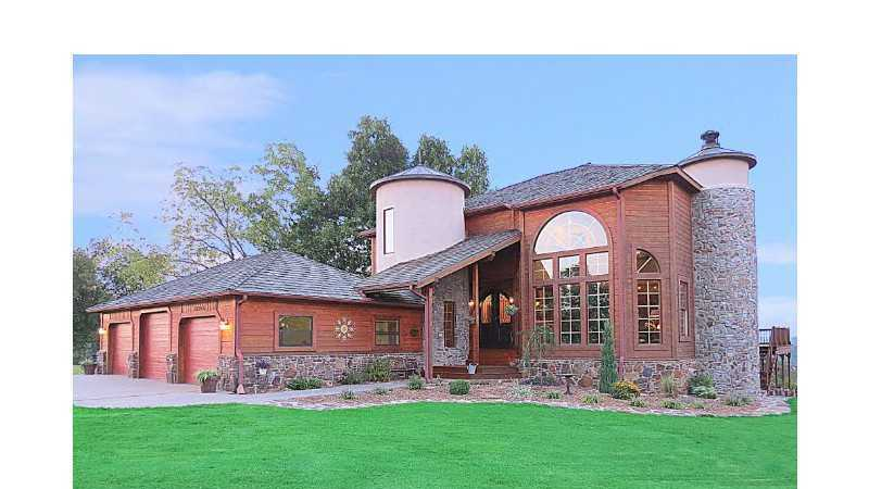 """Castle on the White River"" close to shopping & Beaver Lake. In the French Country tradition with 4 bedrooms & 4 full baths on 3 levels. Magnificent pool, Spa, patio & formal gardens. Features walkout basement with studio, exercise room & theater. Your pets can enjoy an air conditioned kennel, chicken coop & a raised ""cat"" house. The grounds are protected by a security gate & fence around the entire property."