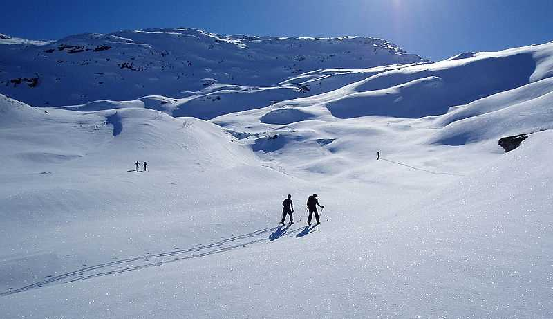 Skiing:A winter ski pass will cost you several hundred dollars, while ski equipment will cost you thousands.
