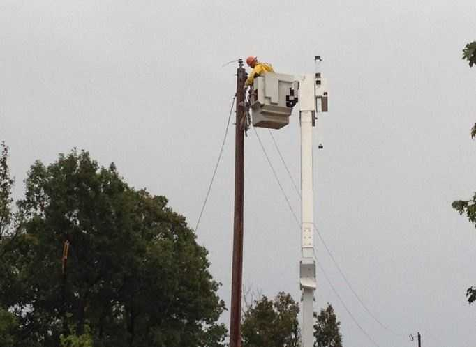 Ozark electric crews said 20-30 homes were without power