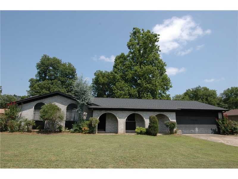 602 7th St., Barling, AR - Wonderful large home for great price! Over 1900 sq. ft. 2 lg. living areas, 3 BD, 2 BA, eat in kitchen plus formal dining room, oversized 2 car garage. Hardwood floors throughout. Heat & air approx 2 yrs old. Lots of updates. Beautiful fenced yard.