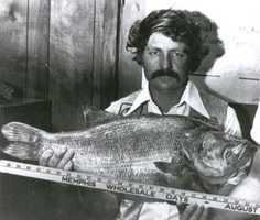 Aaron Mardis caught this 16-pound, 8-ounce record Largemouth Bass in Mallard Lake in 1976.