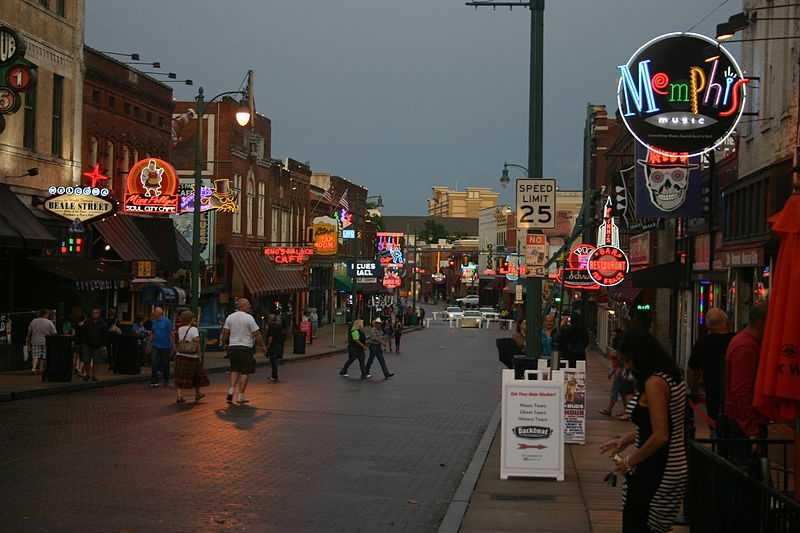 Visit Beale Street. Beale Street is famous as the home of blues and jazz artists through history.