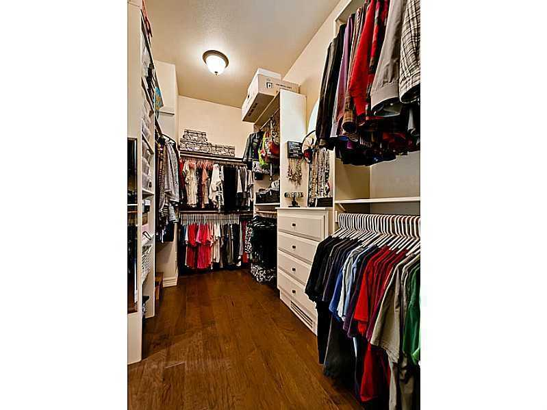 The walk-in closets should have plenty of space for your clothes.
