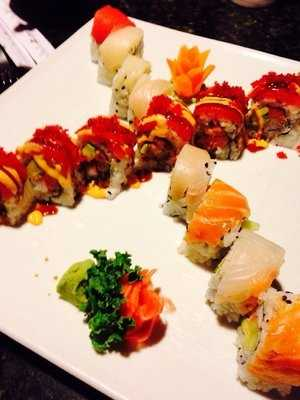 Umami Sushi Lounge & Grill Fusion is located in Russleville.
