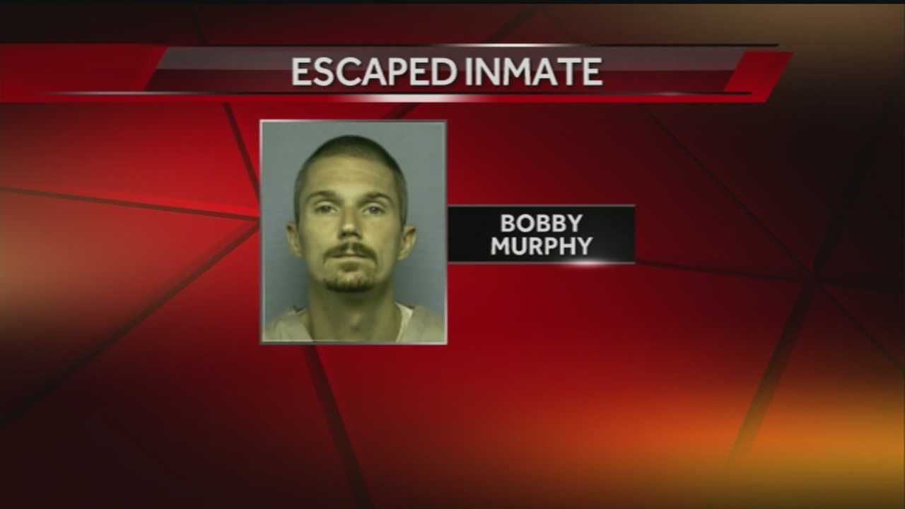 The LeFlore County Sheriff says Bobby Murphy escaped from a jail in Hodgen.