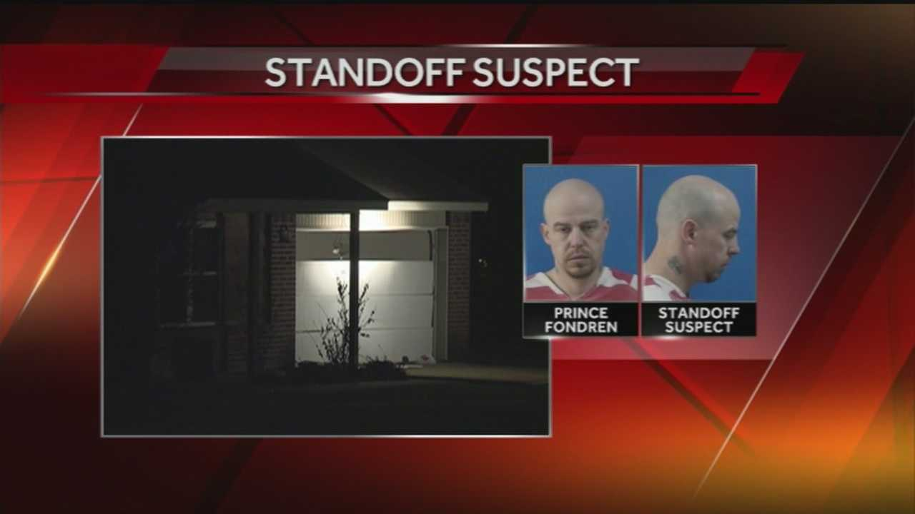 40/29's Joshua Cole reports breaking news with your fist look at what happened during a standoff with a wanted felon in a Springdale neighborhood.