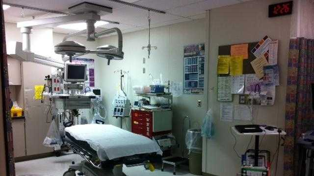 Liberty Hospital, gurney - 26999488