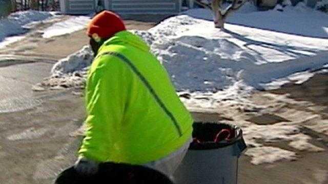 garbage pickup, trash, winter, snow - 22211496