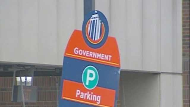 Downtown parking sign - 15283061