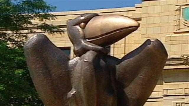 Kansas Jayhawk Statue - 31073941