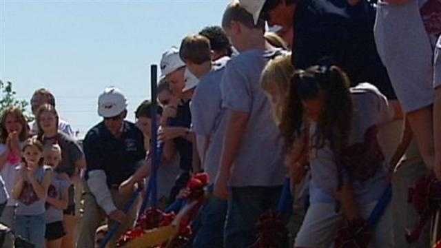 Officials in Joplin marked the first anniversary of the devastating tornado by breaking ground on a new elementary school. KMBC 9's Maria Antonia reports.