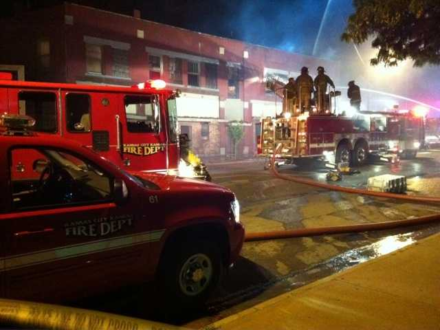 5 people were injured in a late night apartment fire at 1215 Central Avenue in Kansas City, Kan., on Tuesday night.