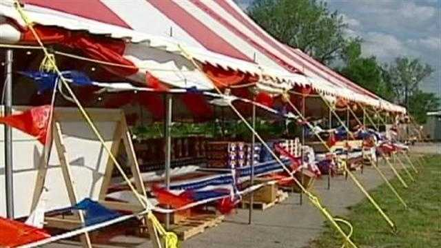 Fireworks sales begin in Missouri, but firefighters warn that the area's dry, windy weather makes shooting them off especially dangerous. KMBC 9's Haley Harrison reports.