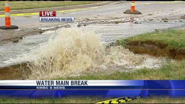 A water main break near two hotels off Interstate 35 is being blamed on this week's hot conditions.