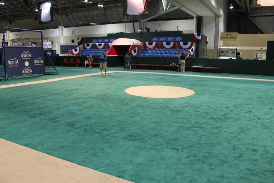 Coaches, managers, MLB legends and current stars will hold clinics at The Diamond.