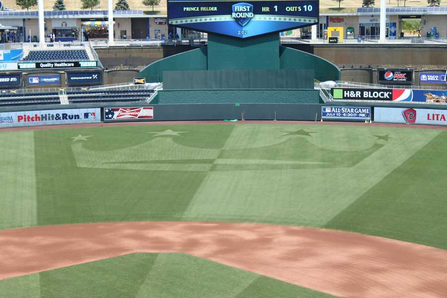A close up of the new outfield grass pattern.