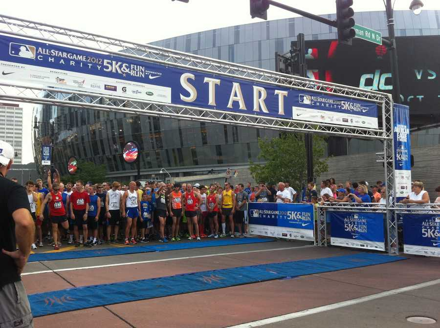 The elite runners at the start line.