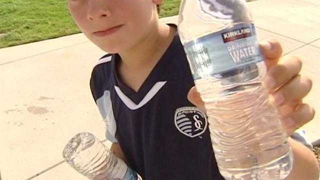 With a heat advisory in effect for the area, fans attending the Sporting KC exhibition match at LIVESTRONG Sporting Park were allowed to bring water. KMBC 9's David Hall reports.