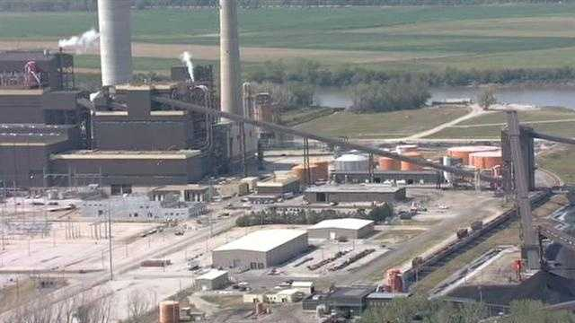 A small explosion was reported at the Iatan 1 power plant on Wednesday morning. No injuries were reported.