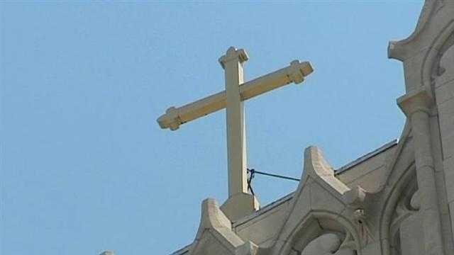 Priest abuse case in Kansas City church cross