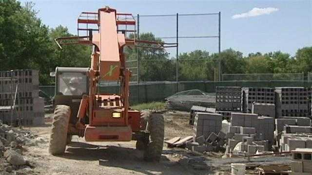 Just days before classes are expected to start at Indian Hills Middle School, renovation and construction work still isn't finished. KMBC 9's Stephanie Ramos reports.