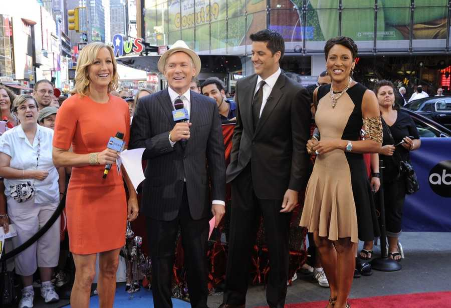 """Robin Roberts says Thursday will be her last day co-anchoring """"Good Morning America"""" for a while.  Robert originally said Friday would be her last day, but she has decided to leave a day early to spend time with her ailing mother and family in the hurricane zone."""