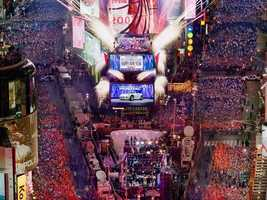 1) Times Square - New York