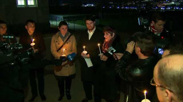 Sandy Hook Connecticut shooting vigil 5