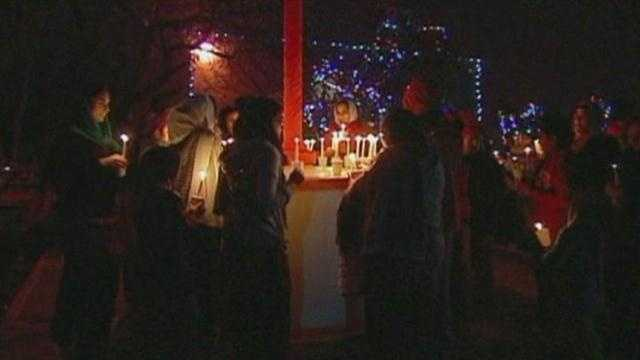 A metro Sikh Temple, no stanger to violence, held a candle light vigil to remember the victims of Friday's Newtown, Connecticut shootings.