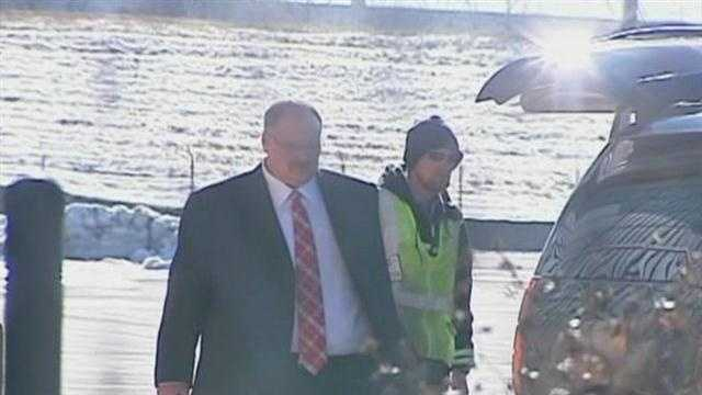 Hunt's private plane arrived at the Wheeler Downtown Airport just after 1 p.m.