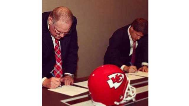 Image Reid signs contract 2