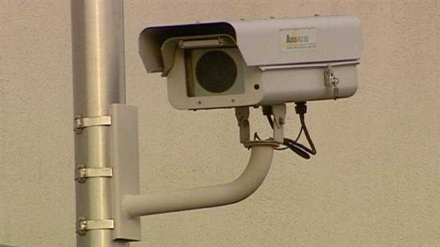 Bill could change rules for red light cameras