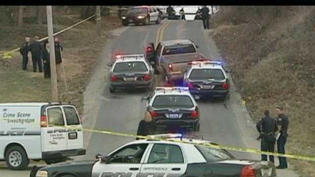 1 man injured, 1 in custody after chase, police shooting