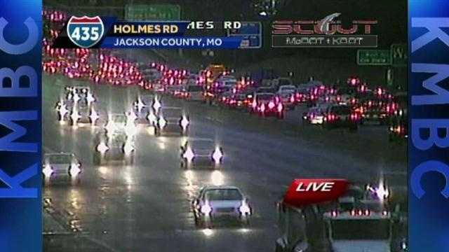 I-435, Holmes wreck
