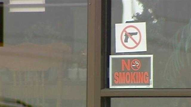 Image No guns signs
