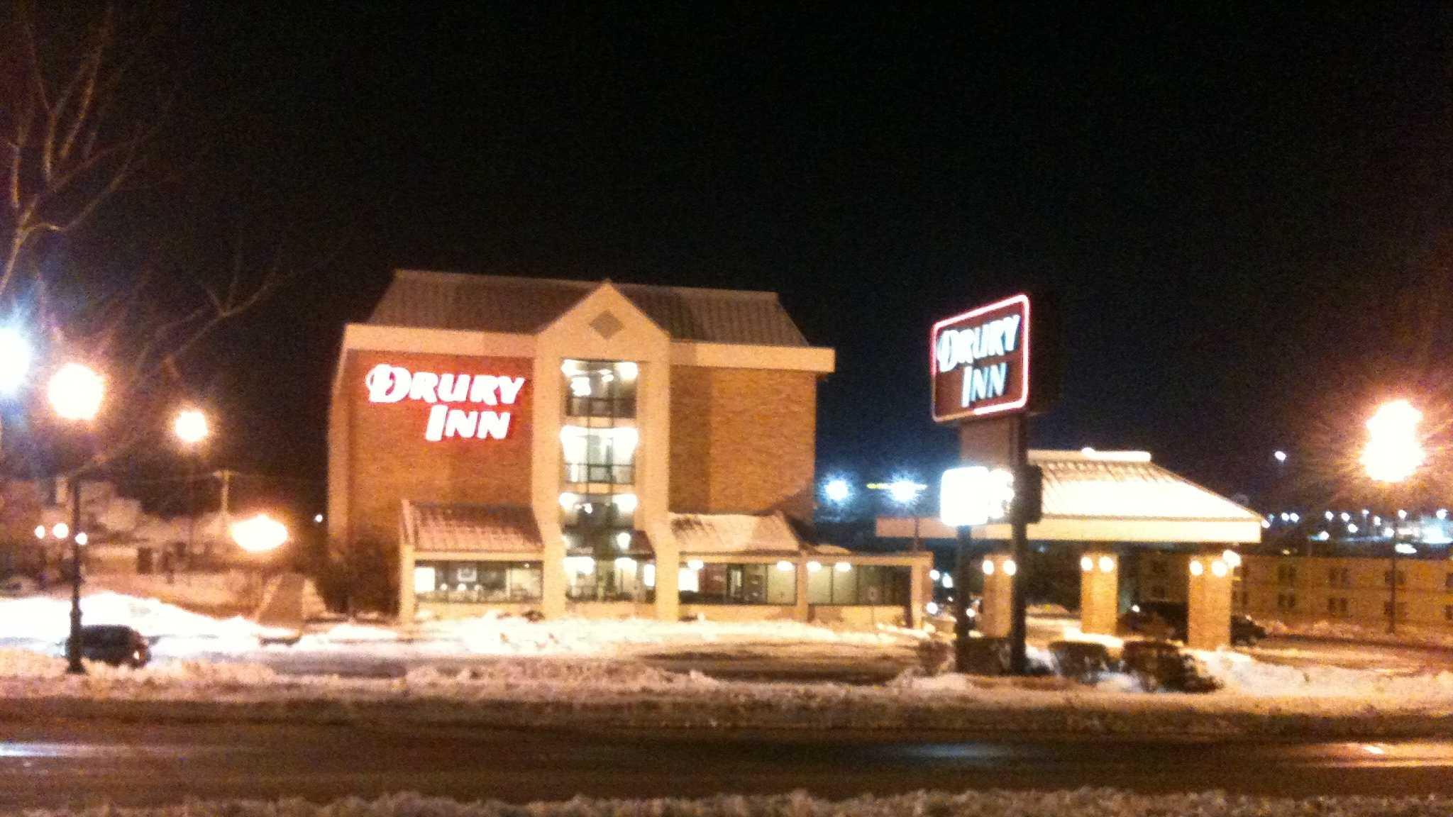 Image Drury Inn evacuation