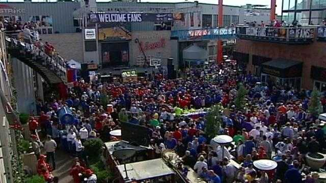Fans flock downtown for Big 12