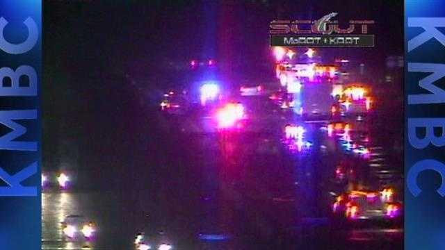 Crash closes several lanes of I-435 in Kansas City
