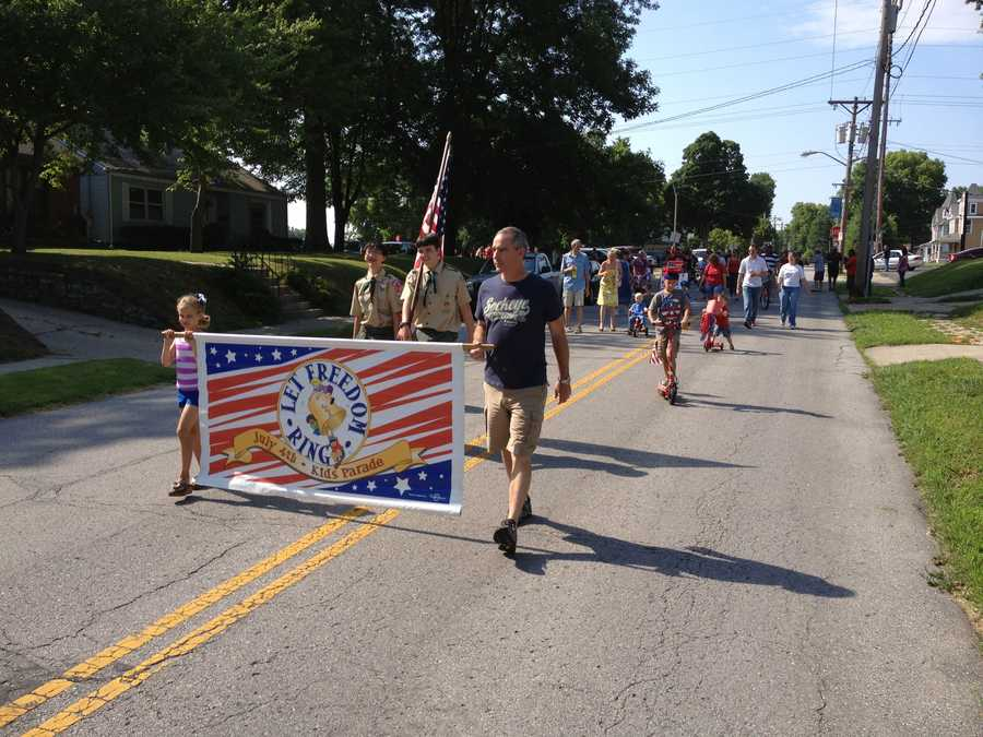 Let Freedom Ring Kids Parade in Independence