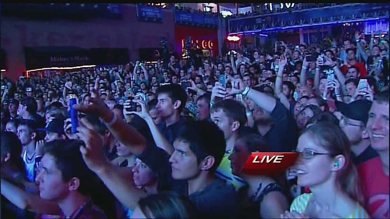Image Macklemore concert