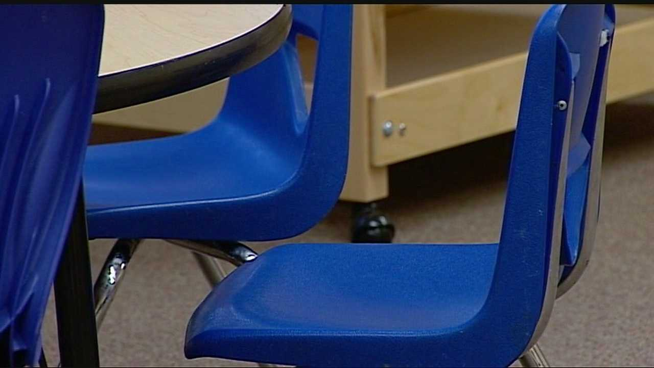 Image Generic classroom small chairs empty