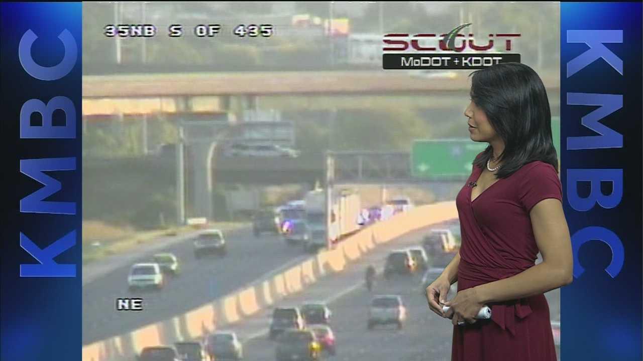 I-35, I-435 wreck Wednesday