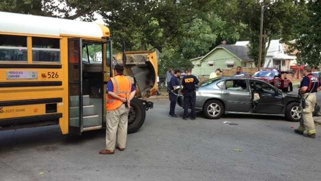Image School bus wreck