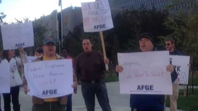 Federal workers protest over ongoing shutdown