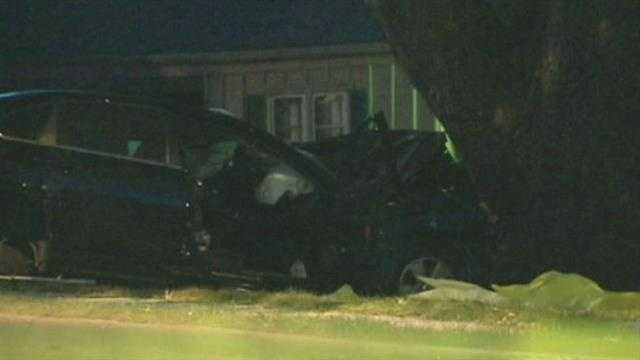 Crash kills father, teen daughter in KCMO